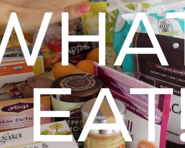 🍕 What I Eat: Whats In My Pantry Tour! (Vegan Food!)  | Cassandra Bankson