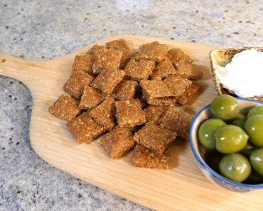 Keto vegan flaxseed crackers | Easy keto vegan recipes