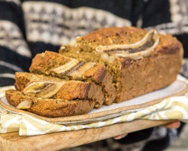 FLUFFY VEGAN BANANA BREAD   Easy Recipe