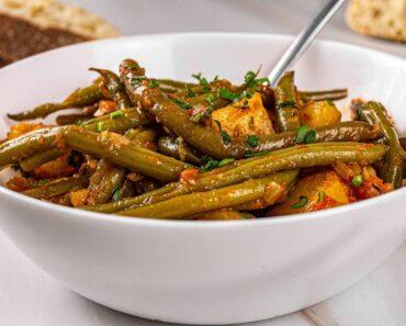 Greek green Beans and Potatoes in Tomato Sauce – Fasolakia Recipe  Vegan
